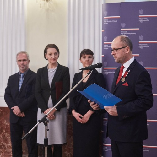 The former director of the Olomouc Museum of Art awarded by Poland